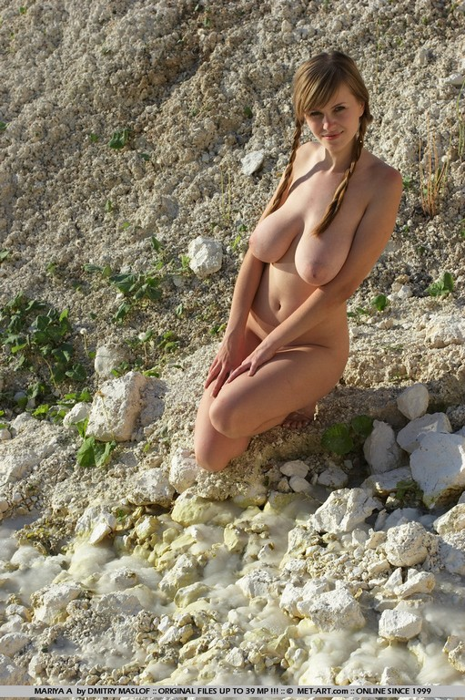 15-young big tits nude